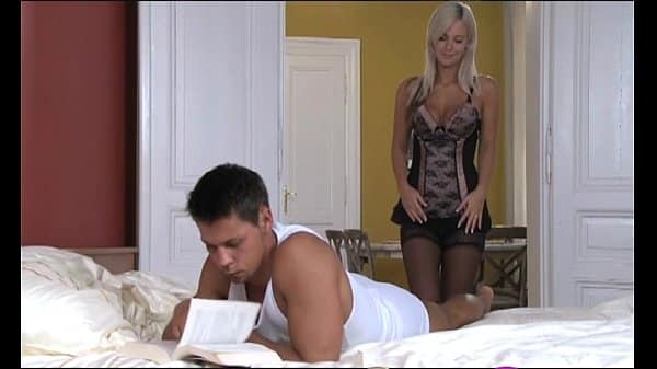 StrapOn Wonder blonde is given DP treatment from BF